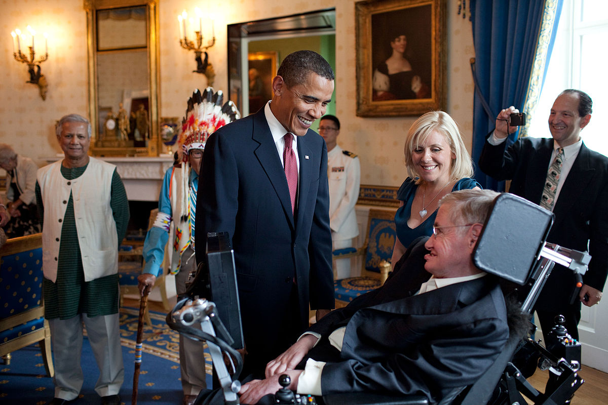 Stephen Hawking meets with U.S. President, Barack Obama in 2009.
