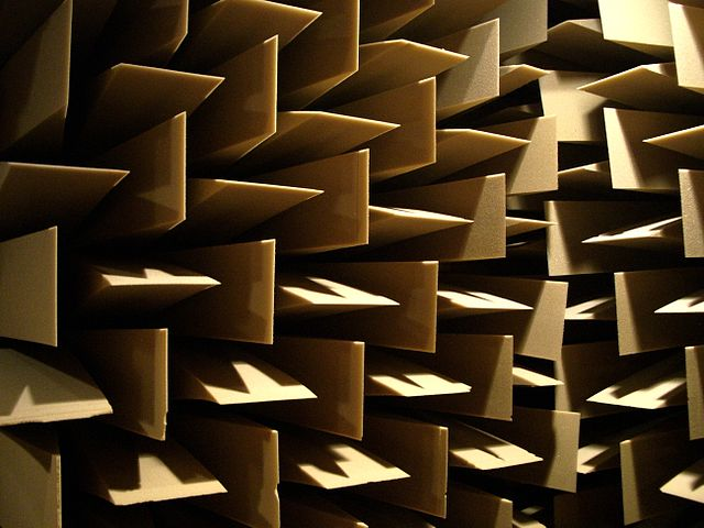 Geometric walls of a sound-proofed room