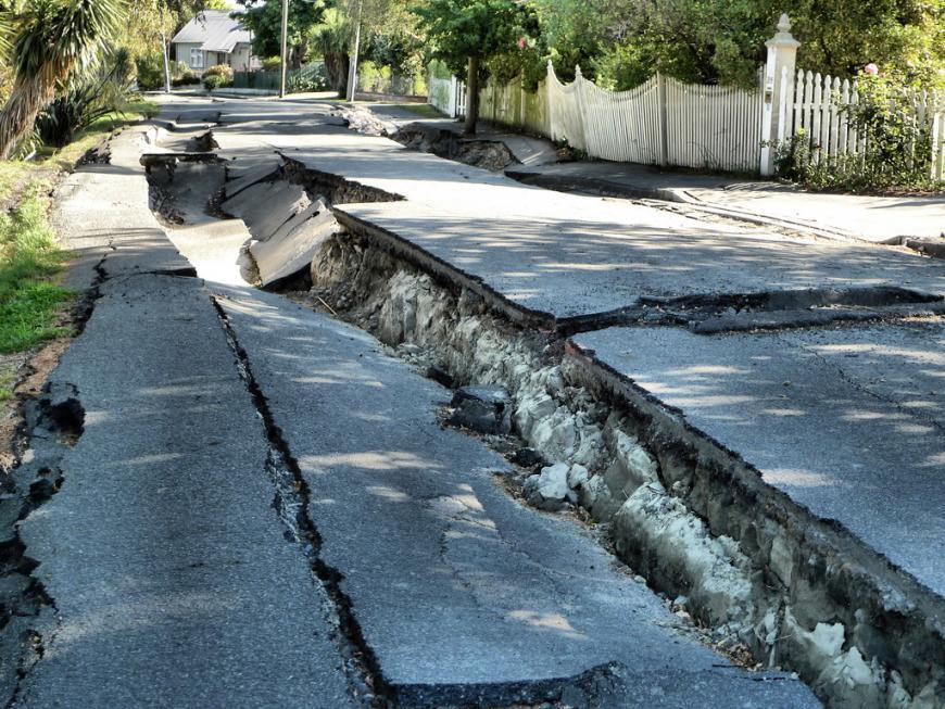 Quake damage to River Road