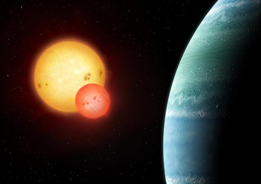A planet rotates around two suns