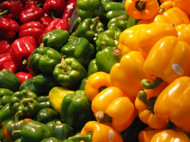 e936bad735de Do You Know the Real Difference Between Red and Green Peppers
