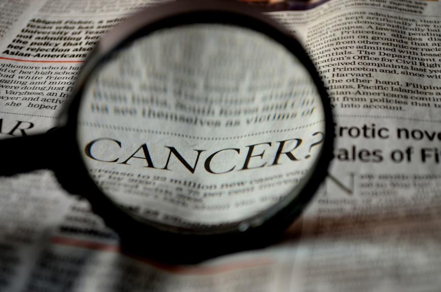 Cancer, magnifying glass. CREDIT: PDPics / pixabay