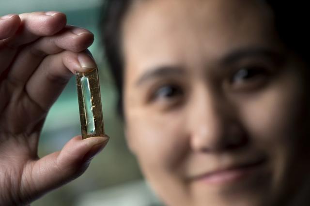 """Chemik """"náhodou"""" vytvořil baterii, která by mohla vydržet celý život"""