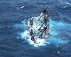 HMS Bounty replica sinking during hurricane Sandy, 29 October 2012