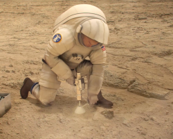 Virtual reality of astronaut building on Mars
