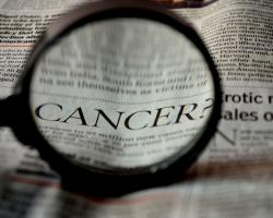 Cancer, magnifying glass. CREDIT: PDPics / pixabay